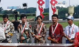 Wisnu sesaat setelah menerima Medali Bela Negara